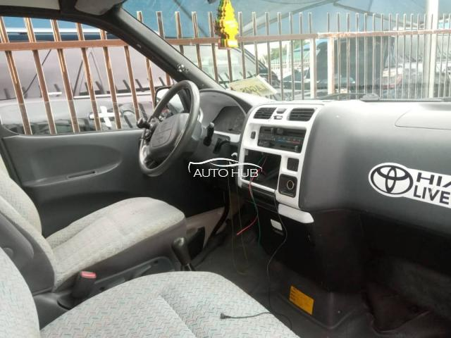2002 Toyota Hiace White