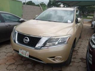 2015 Nissan Pathfinder Gold