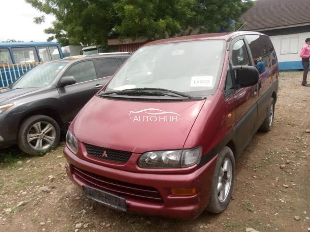 2002 Mitsubishi Space Gear Red