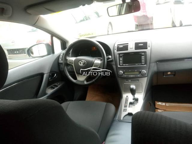 2013 Toyota Avensis Blue