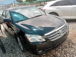2005 Toyota Avalon Black