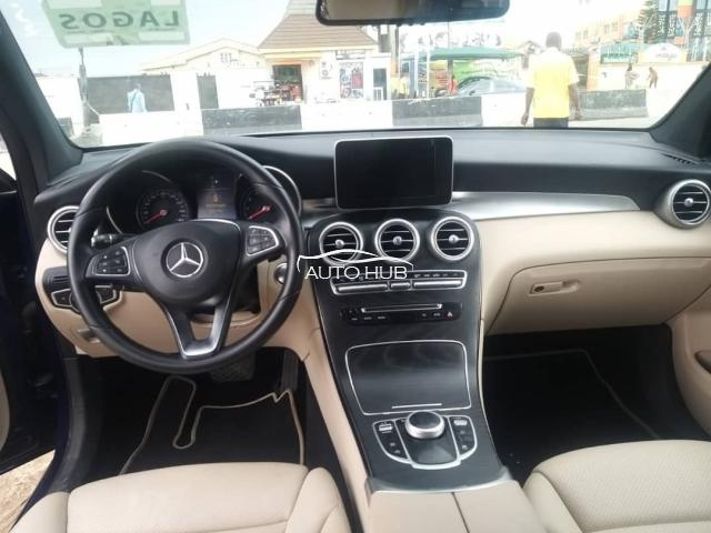 2017 Mercedes Benz GLC 300 Blue