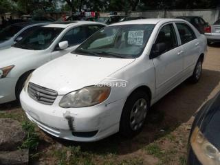 2004 Toyota Corolla White
