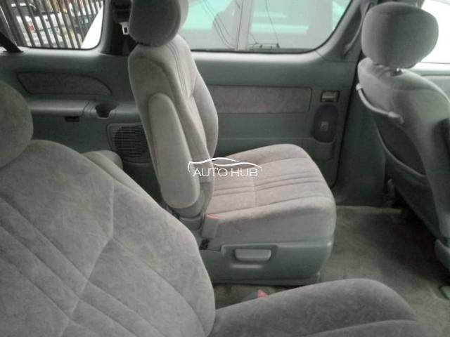 1999 Toyota Sienna Red