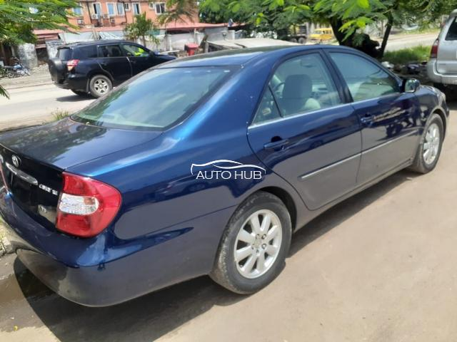 2004 Toyota Camry XLE Blue