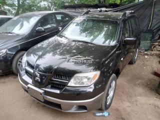 2004 Mitsubishi Outlander Black