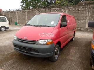 2001 Toyota Hiace Red