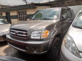 2004 Toyota Sequoia Grey