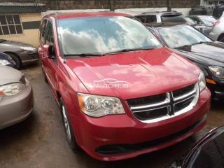 2014 Dodge Grand Caravan Red