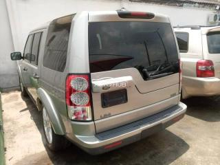 2012 Land-Rover LR4 Silver