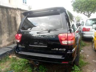 2005 Toyota Squoia Black