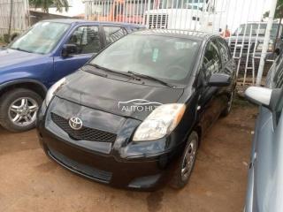 2010 Toyota Yaris Black