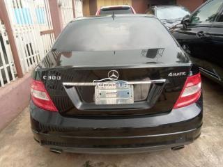 2010 Mercedes Benz C300 Black