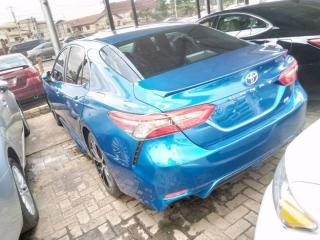 2018 Toyota Camry Blue