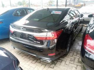 2016 Lexus ES-350 Black
