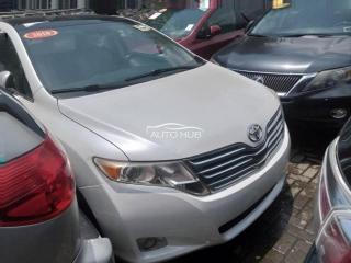 2010 Toyota Venza White