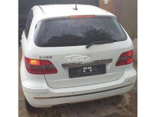 Mercedees Benz B 200 white
