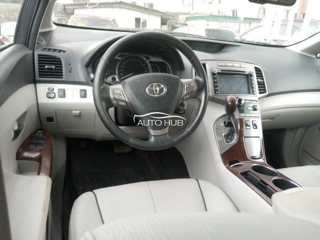 2019 Toyota Venza  Grey