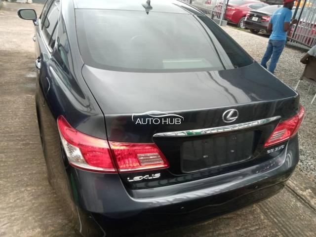 2010 Lexus ES-350 Black