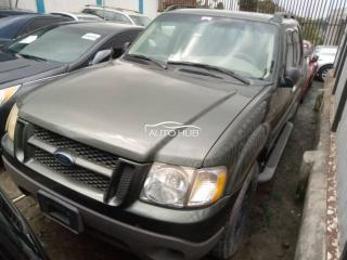2005 Ford Explorer Green