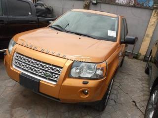 2008 Land Rover LR2 Gold