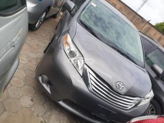 2012 Toyota Sienna Grey